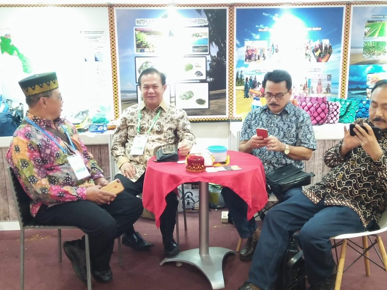 Bupati Nias Memperkenalkan Keunggulan Daerah Di Kegiatan APKASI Otonomi Expo Tahun 2019