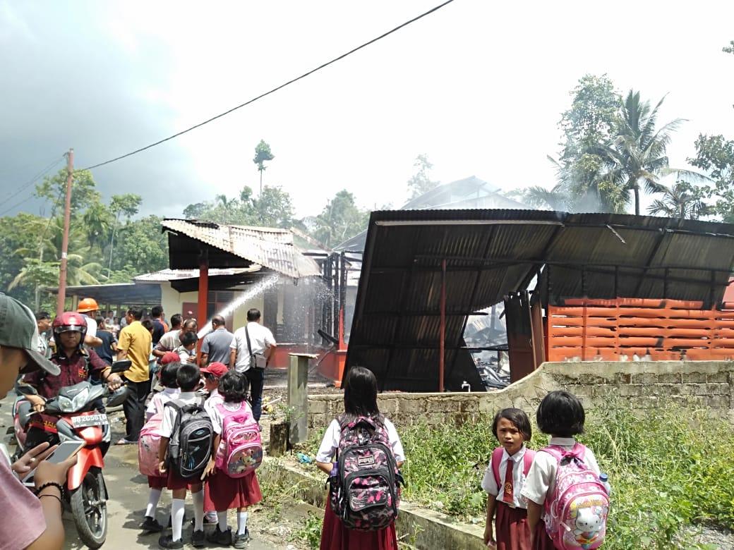 Satu Rumah Warga Desa Luaha Laraga Ludes di Lalap Si Jago Merah