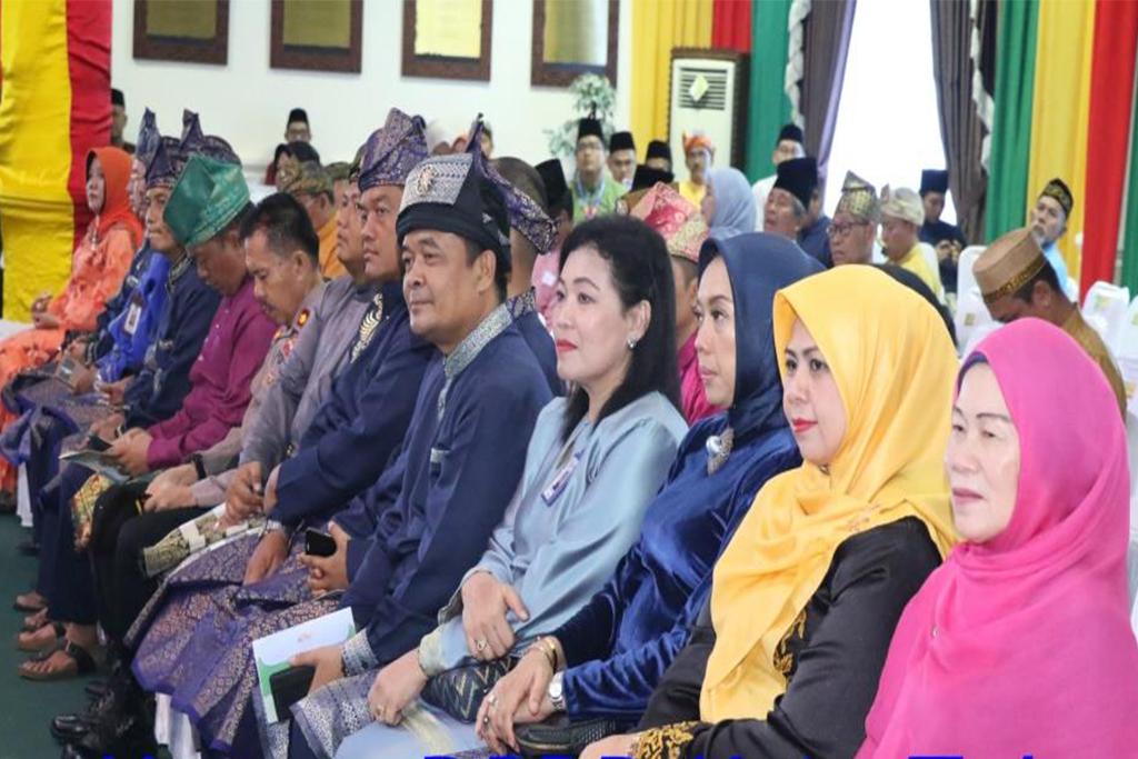 Turut hadir juga, Walikota Tanjungpinang periode 2003-2013 Hj. Dra. Suryatati A Manan dan beberapa Tokoh Masyarakat lainnya