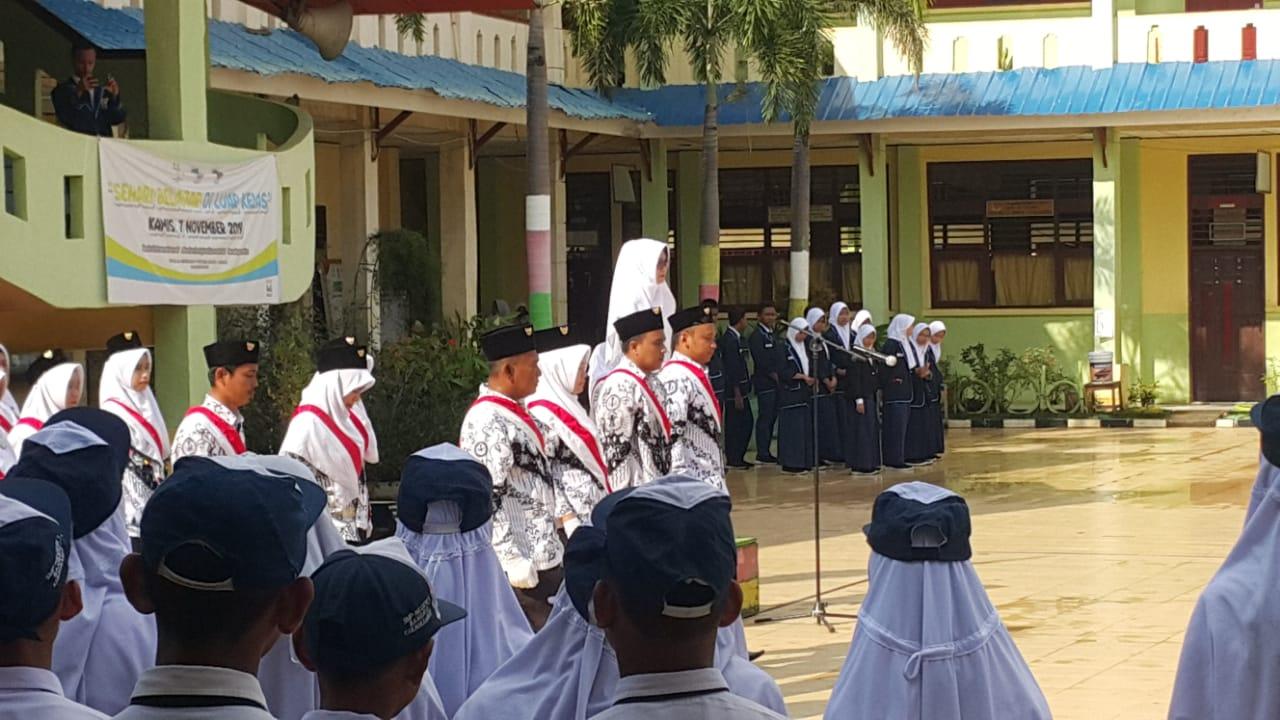SMP N 1 Rokan Hilir Peringati Hari Guru Nasional