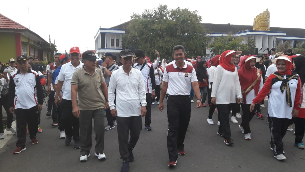 Polres Lampung Utara Gelar Jalan Santai