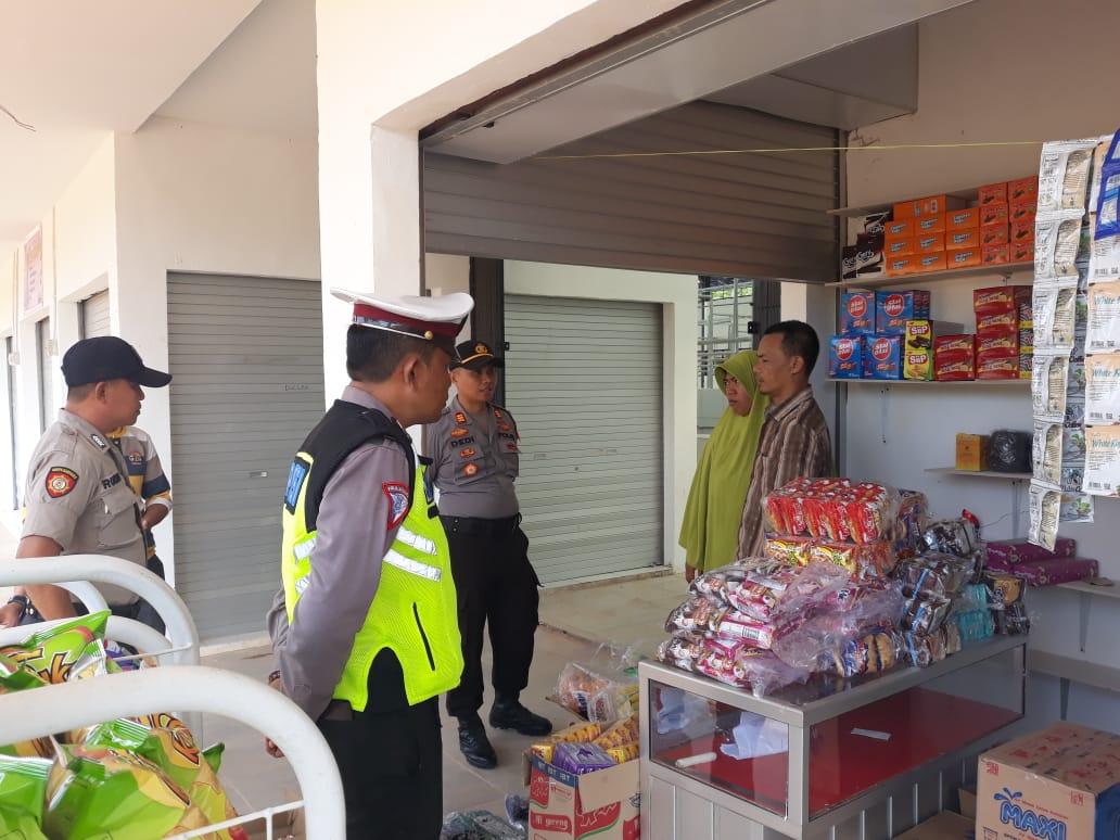 Beri Rasa Aman, Kapolsek Ranomeeto Bersama Anggotanya Tingkatkan Patroli Pasar
