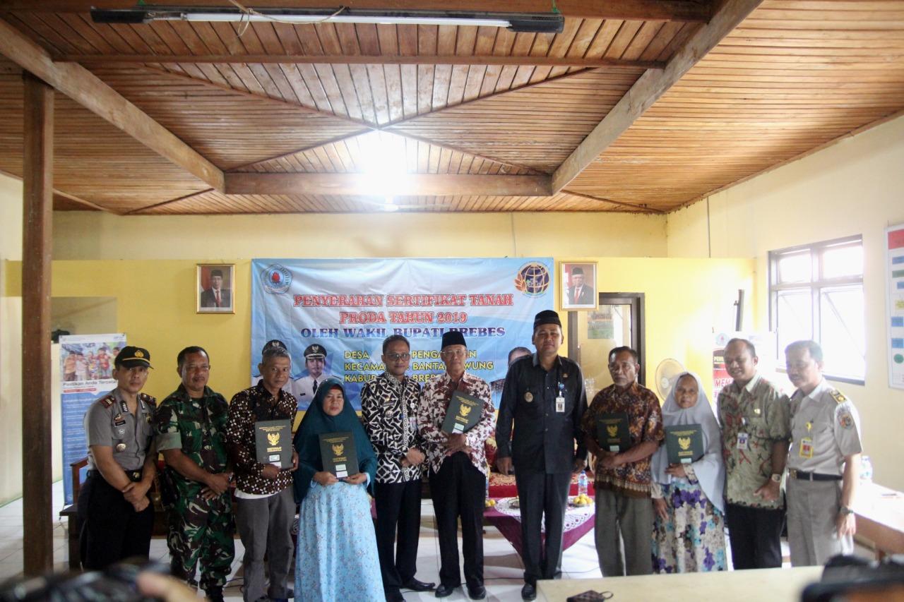 Seribu Sertifikat Dua Desa Kecamatan Bantarkawung Brebes Diserahterimakan