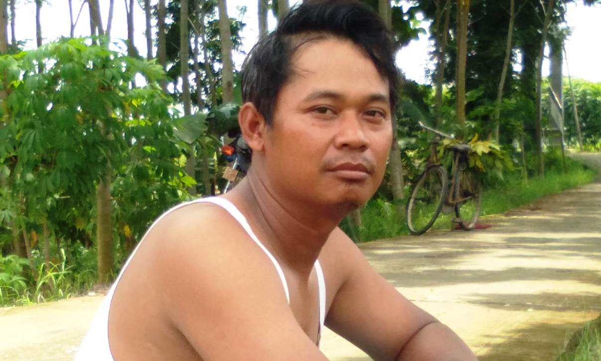 Bakal Nikmati Karya TMMD, Warga Sidosari Ini Ikut Gotong Royong
