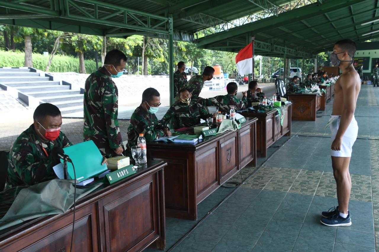 Kasdam IV/Diponegoro Pimpin Sidang Parade Calon Tamtama PK TNI-AD Gelombang l TA 2020
