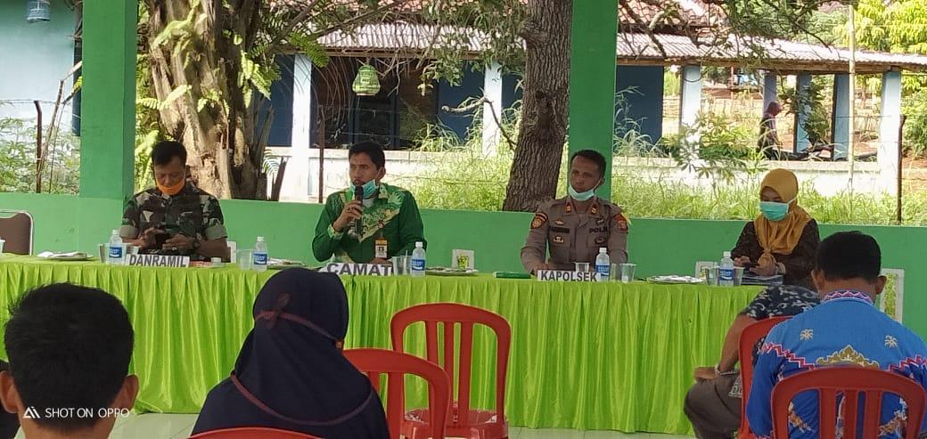Camat Gelar Rakor dan Pembentukan Tim Gugus tugas Covid-19 Tingkat Desa dan Kelurahan