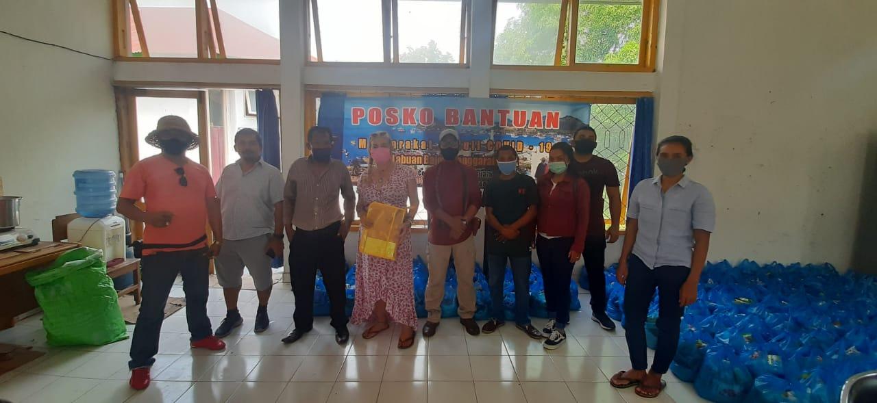Relawan Covid- 19 Labuan Bajo Membagikan Bantuan Ke Setiap Desa di Mabar
