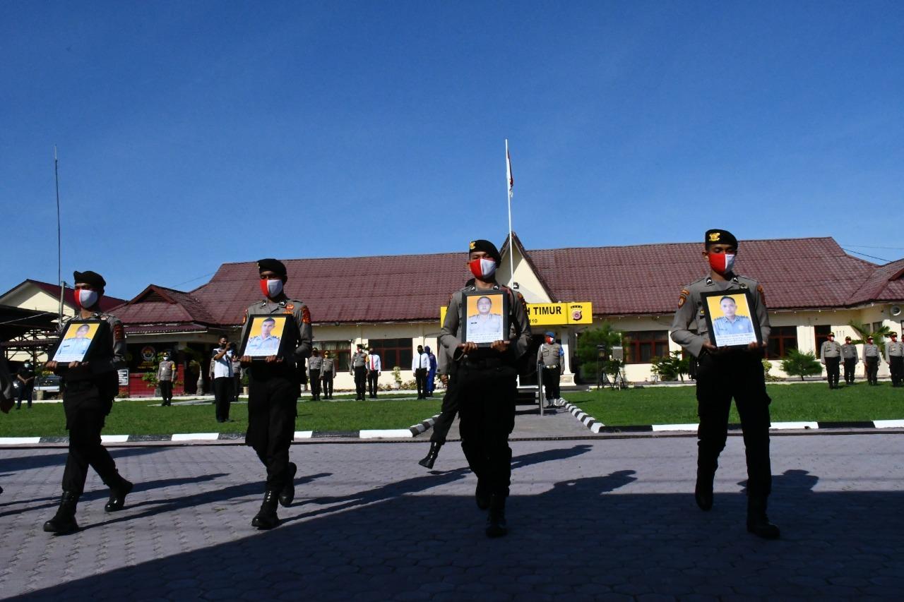 Kapolres Aceh Timur Pimpin Pelepasan Atribut Polri Terhadap Lima Anggotanya
