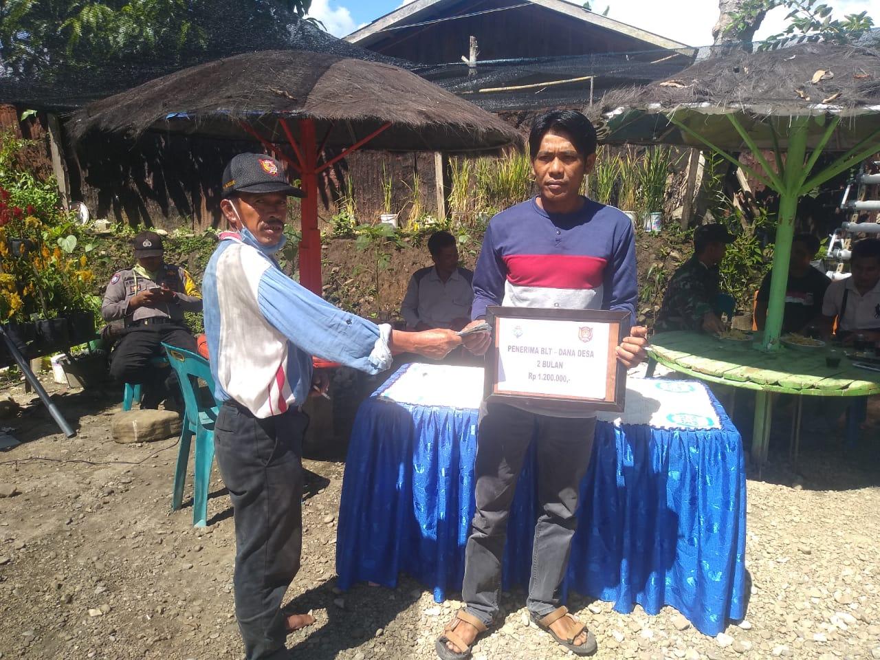 Pemerintah Desa Ulta Bagikan BLT DD 2020, Langsung Dua Bulan