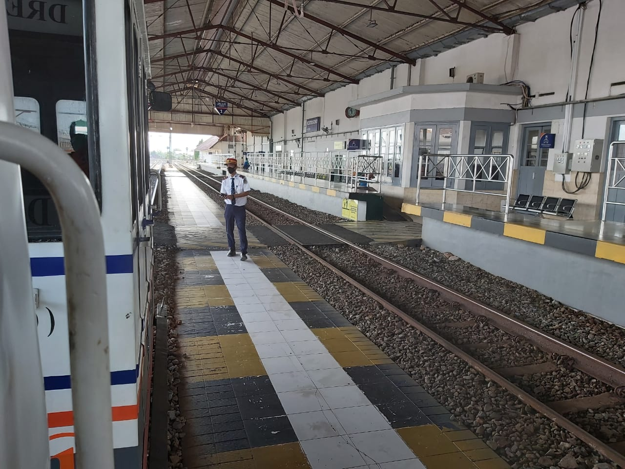 Mulai 12 Juni KA Reguler Blitar-Surabaya Dijalankan Kembali Melayani Masyarakat, ini Syaratnya