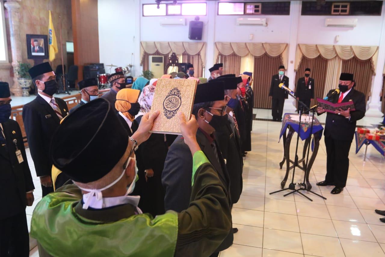 Walikota Tegal Lantik 29 Kepala Sekolah SD dan SMP di Lingkungan Pemkot Tegal