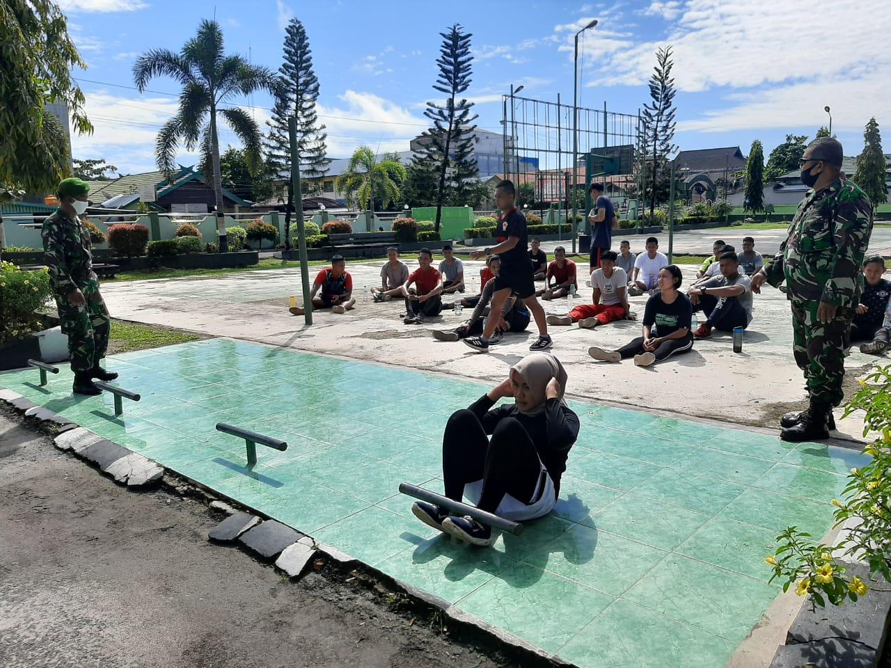 Dandim Sampit Dampingi Langsung Pembinaan Fisik Calon Prajurit