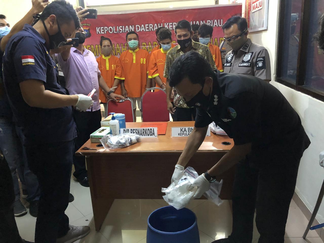 Dirresnarkoba Polda Kepri Pimpin Pemusnahan Barang Bukti Narkoba