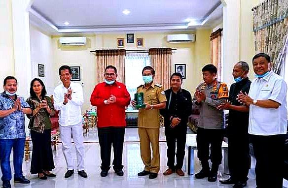 Ketua DPRD Provinsi Sumut Berkunjung Di Rumah Dinas Bupati Nisel