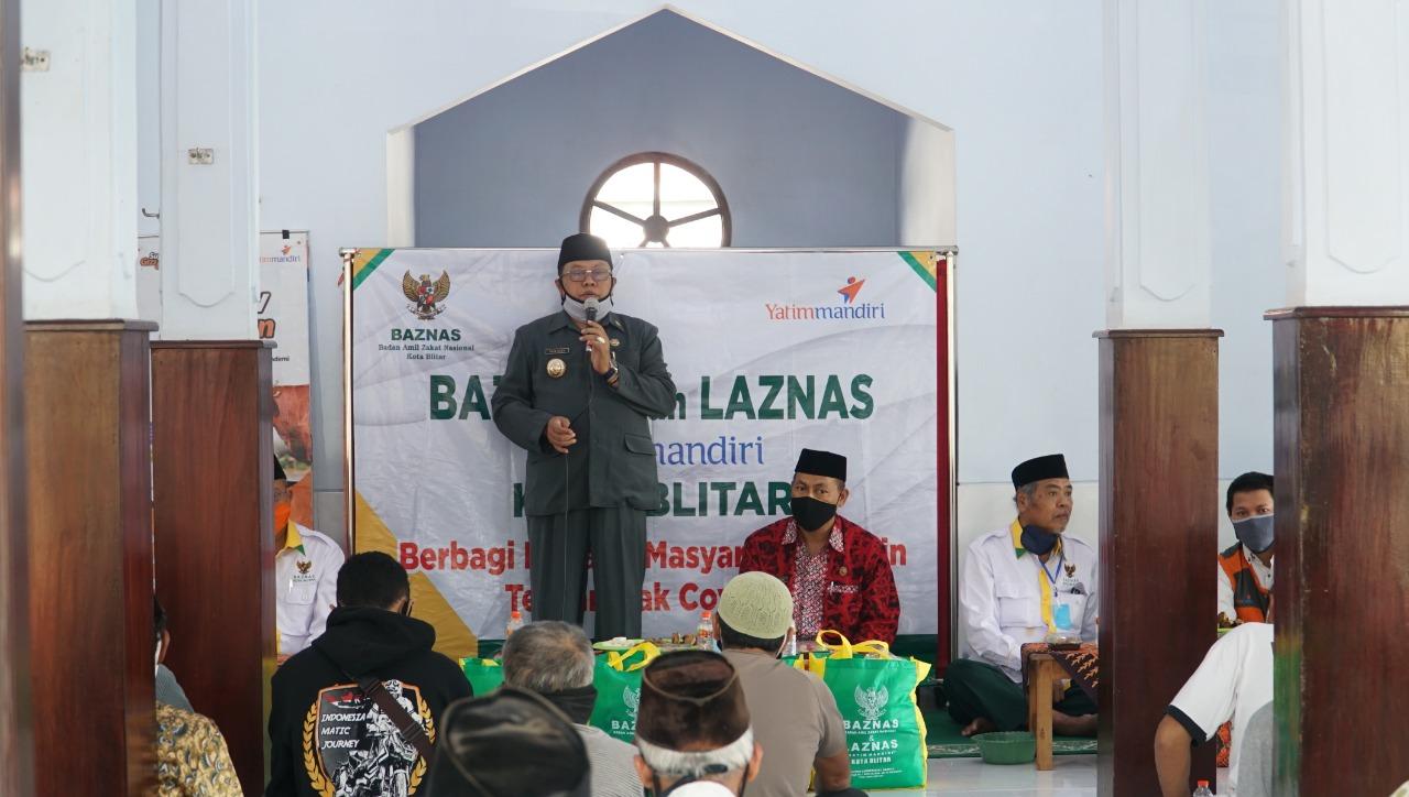 Salurkan Sembako Baznas, Walikota Blitar Santoso Terus Pikirkan Rakyatnya Hingga Pandemi Berakhir