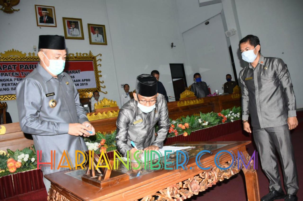 Bupati Tulang Bawang Barat Umar Ahmad Apresiasi DPRD atas Pengesahan Raperda Pelaksanaan APBD 2019