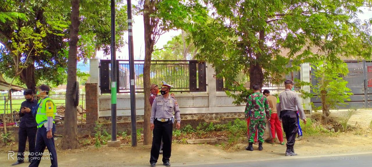 Operasi Yustisi di Depan Kantor Camat Wongsorejo Satgas Covid-19 Tindak 25 Pelanggar