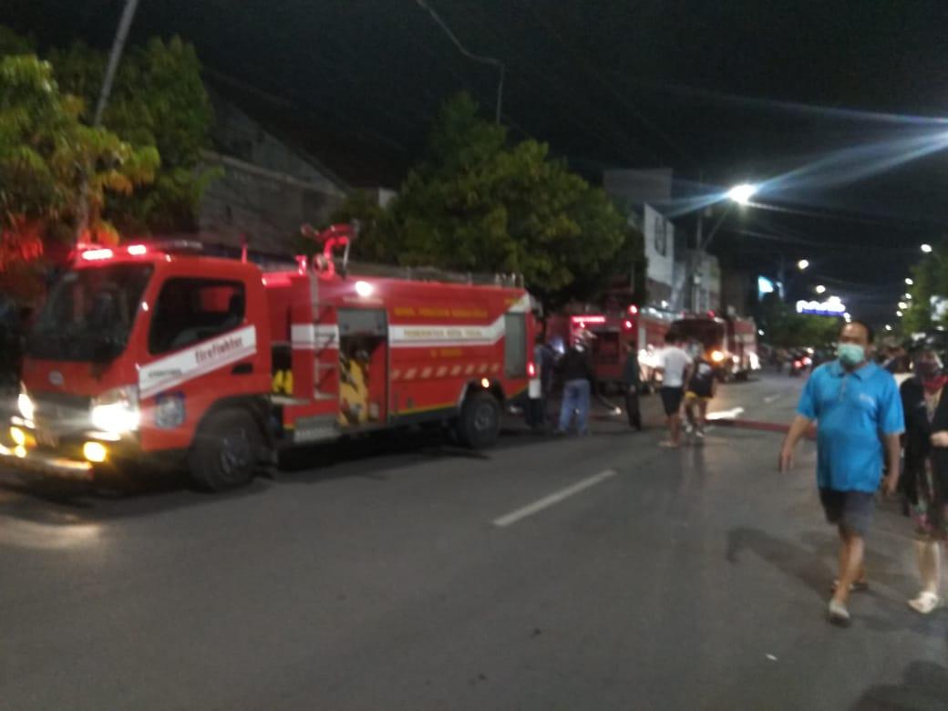Toko Obat Wali Posentong Di Kota Tegal Terbakar, Kerugian Ditaksir 200 Juta