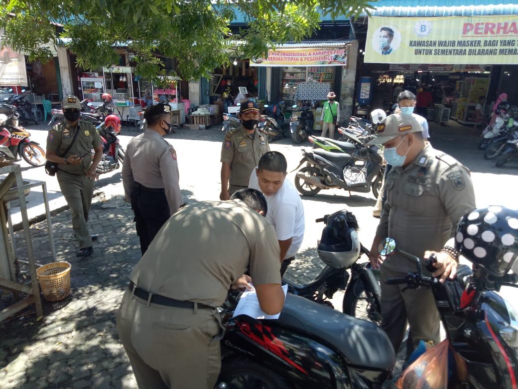Polsek Tanjungpinang Timur dan Satpol PP Gencar Berikan Teguran Kepada Pelanggar Protokol Kesehatan