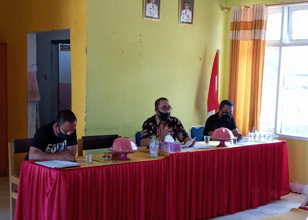 Kepsek Bersama Dewan Guru Sma 1 Tongauna Bahas Bantuan Covid-19 Dari Pemprof