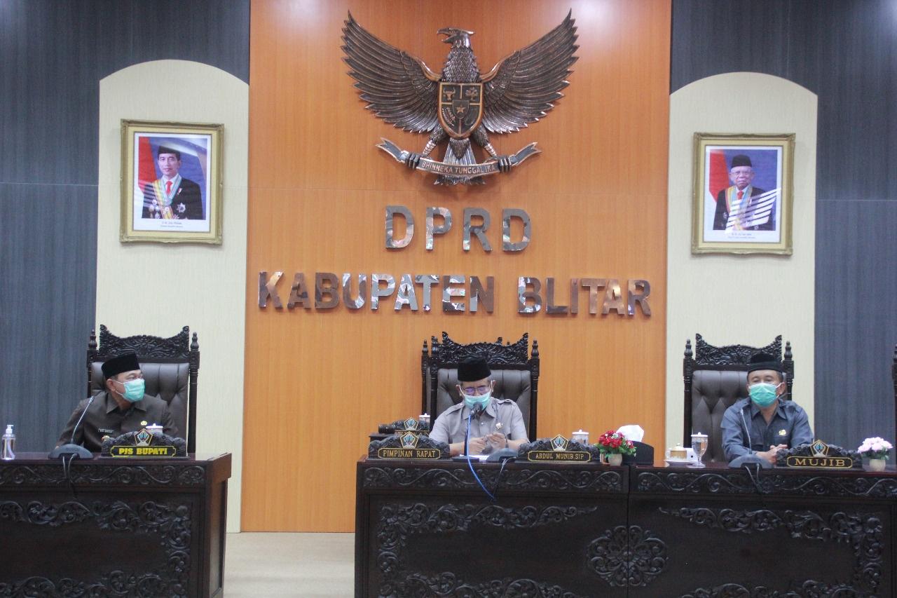 Mayoritas Fraksi DPRD Soroti Pertambangan Liar Kabupaten Blitar Makin Memprihatinkan di Paripurna Nota Keuangan APBD 2021