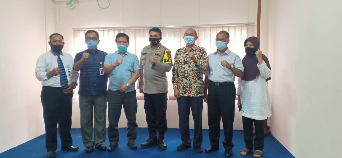 Kabid Humas Polda Kepri Berkunjung Ke Kantor Komisi Informasi Kepri, Ini Yang dibahas