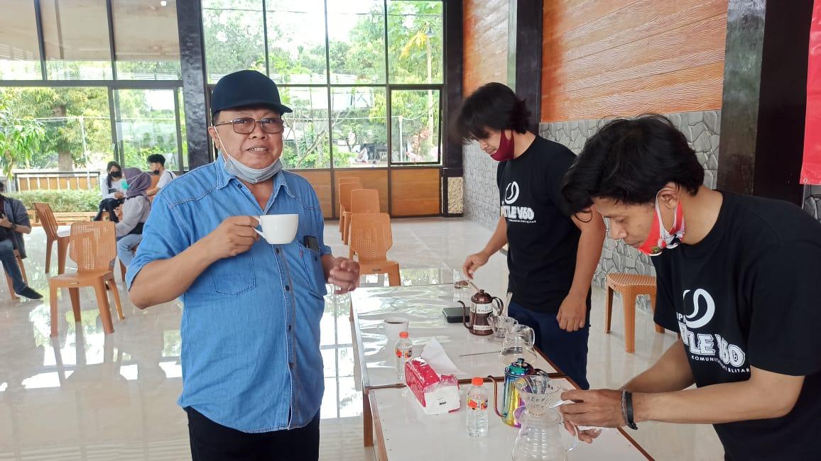 Hadir di Battle of V60, Santoso Beri Dukungan Barista Milenial Kota Blitar Bebas Berkreasi