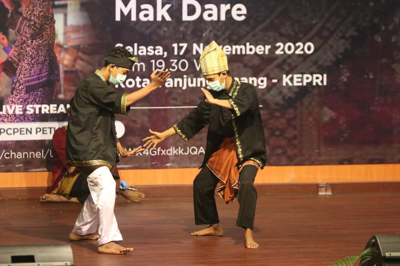 Sampaikan Informasi Penanganan Covid-19 Lewat Pertunjukan Tradisional Melayu Tanjungpinang