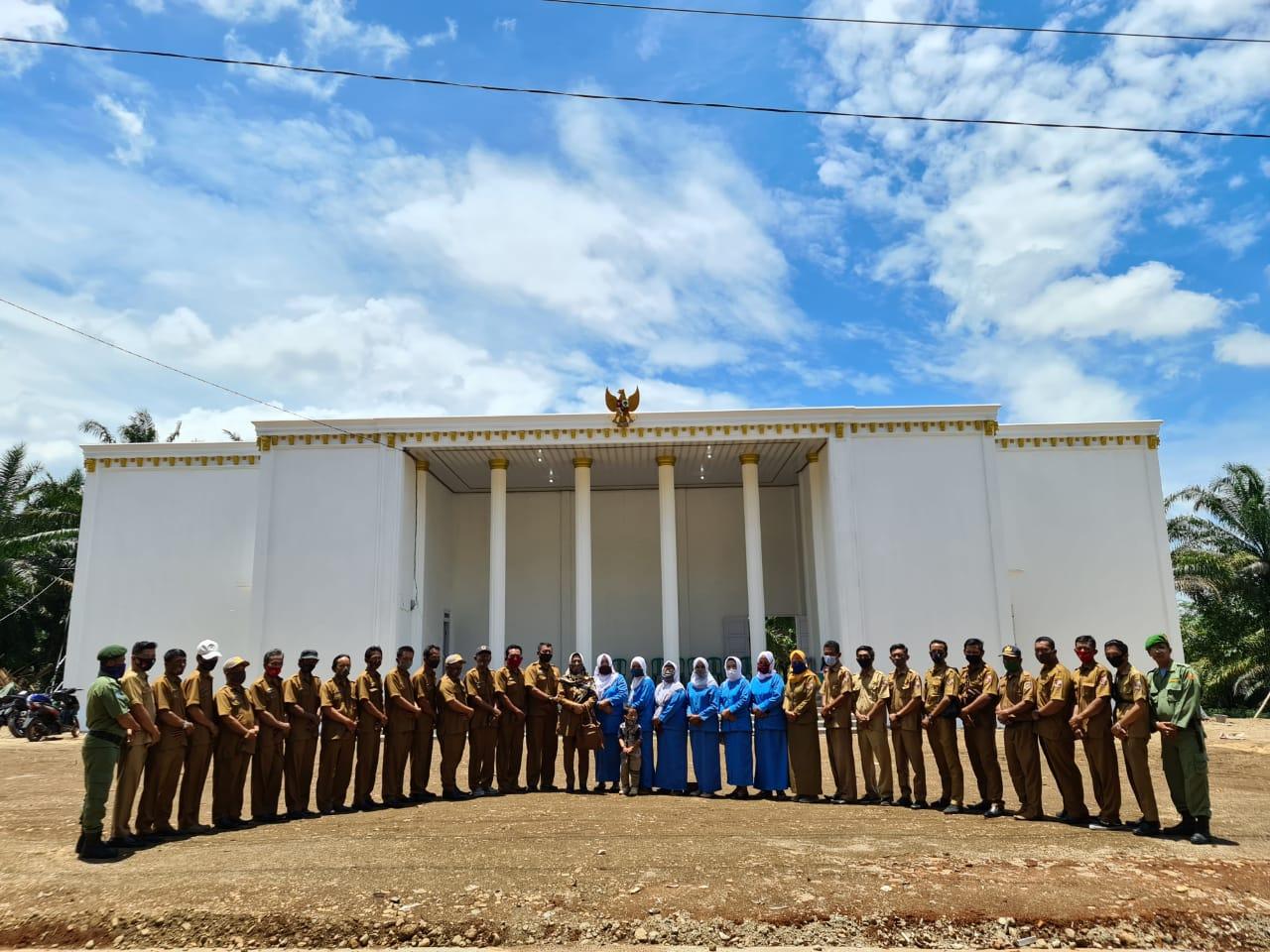 Kantor Desa Cempaka dibangun Bak Istana Negara, Ketua DPD RI : Itu Tidak Pantas, Seharusnya Utama Kepentingan Rakyat