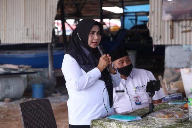 Walikota Lakukan Penyerahan Bantuan Pompong Bagi Nelayan Tanjungpinang