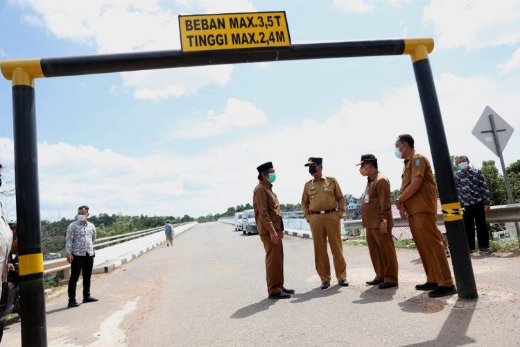 Tinjau Jembatan II Dompak, Isdianto Pastikan Sudah Bisa di Lalui