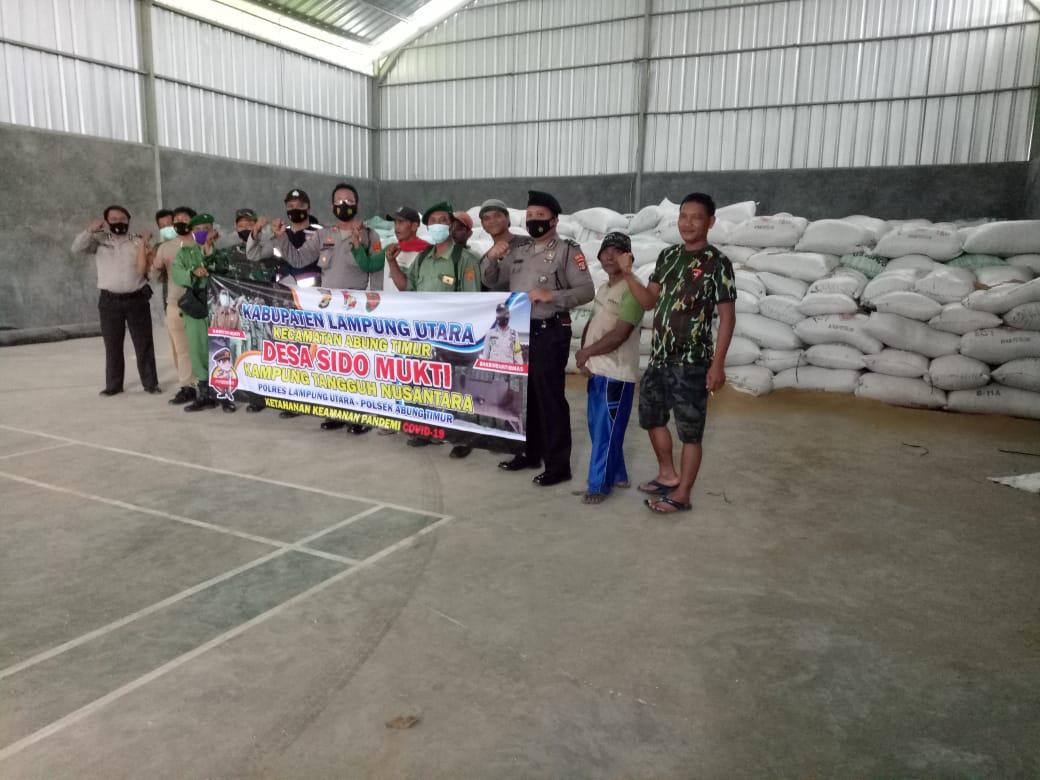 Kapolsek Abung Timur Tinjau Kesiapan Kampung Tangguh di Desa Sidomukti