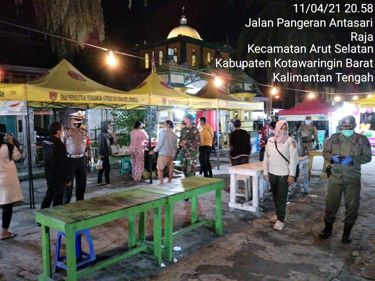 Bersama TNI dan Satpol PP Anggota Polres Kobar Laksanakan Ops Yustisi