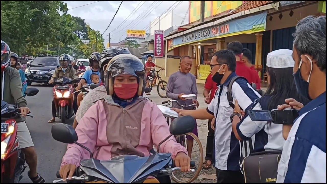 Sekber IPJT DPC Purworejo dan IRMA Kelurahan Tambakrejo Berbagi Takjil di Bulan Ramadhan