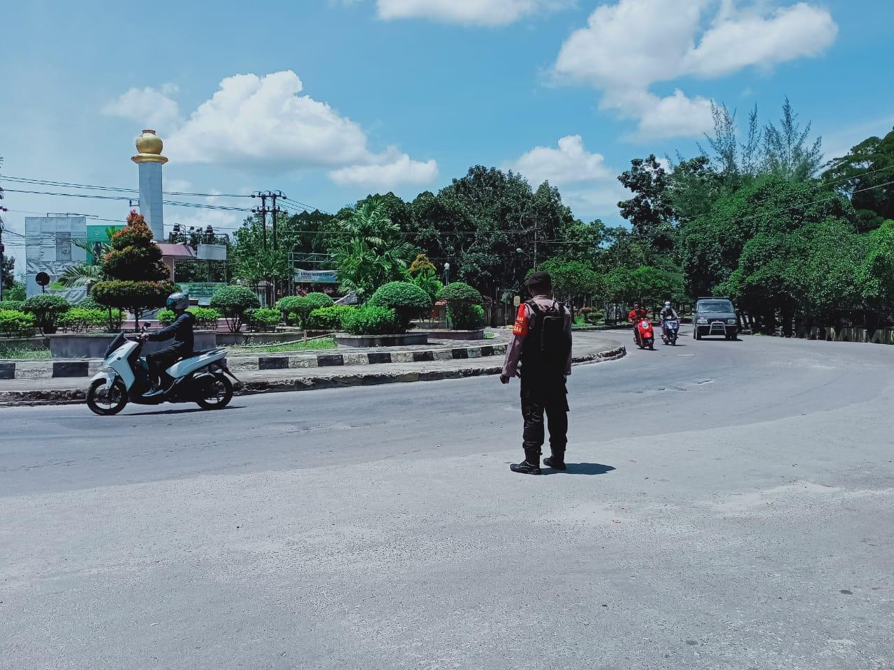 Selain Patroli Satsabhara juga laksanakan Pengaturan Jalan