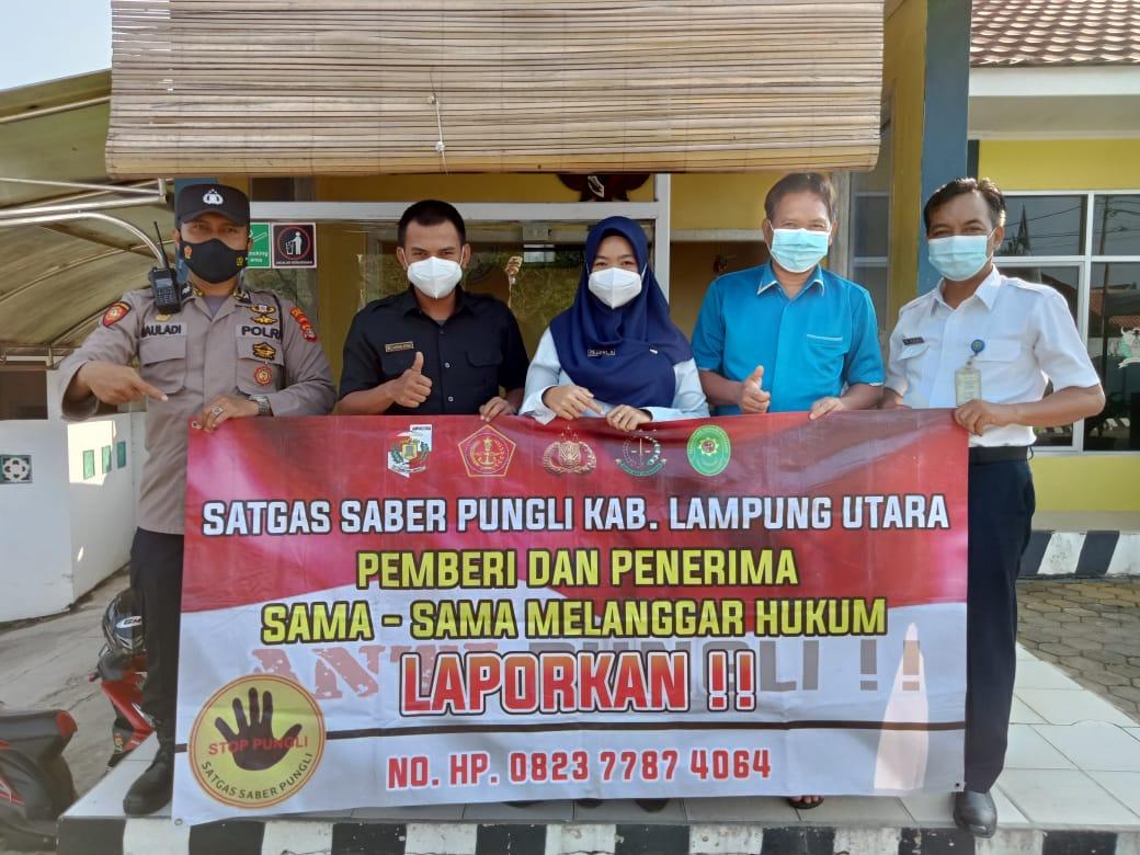 Sambangi masyarakat Bhabinkamtibmas Jajaran Polres Lampura Sosialisasi Saber Pungli
