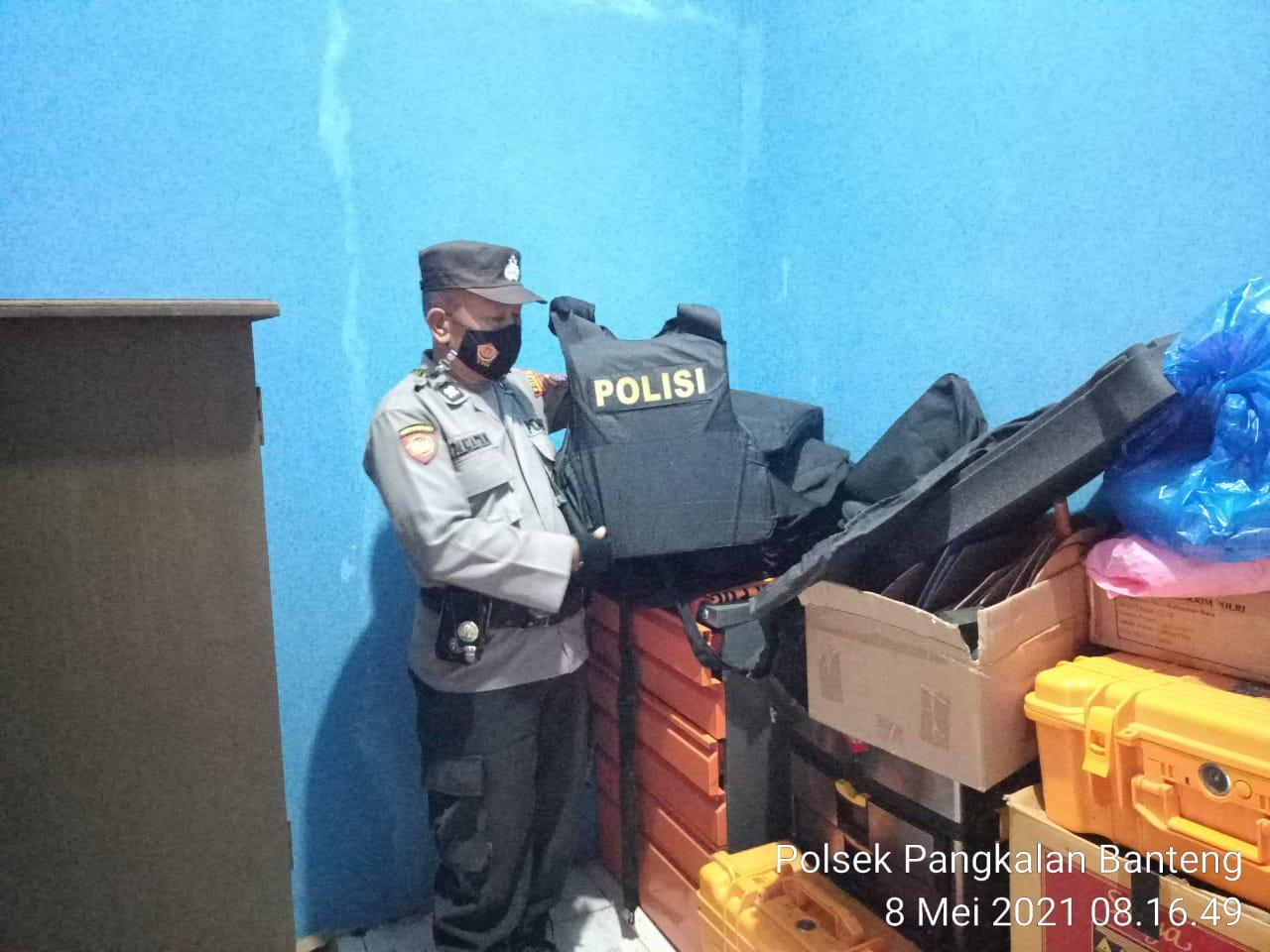 Barang Inventaris Polsek Pangkalan Banteng dicek Bripka Leksi