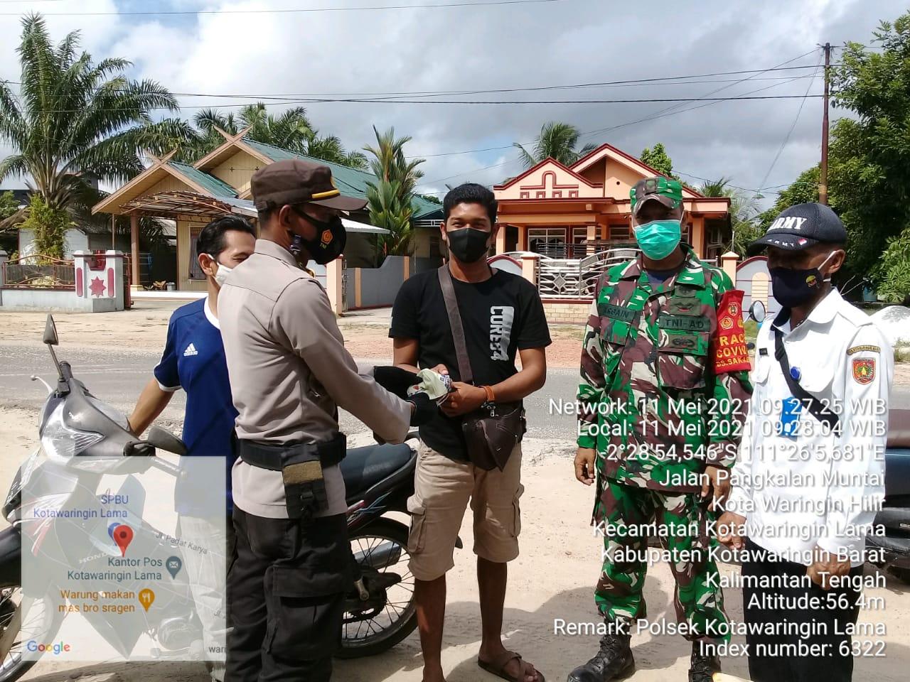 TNI Polri Berikan Marker Untuk Warga Kecamatan Kolam