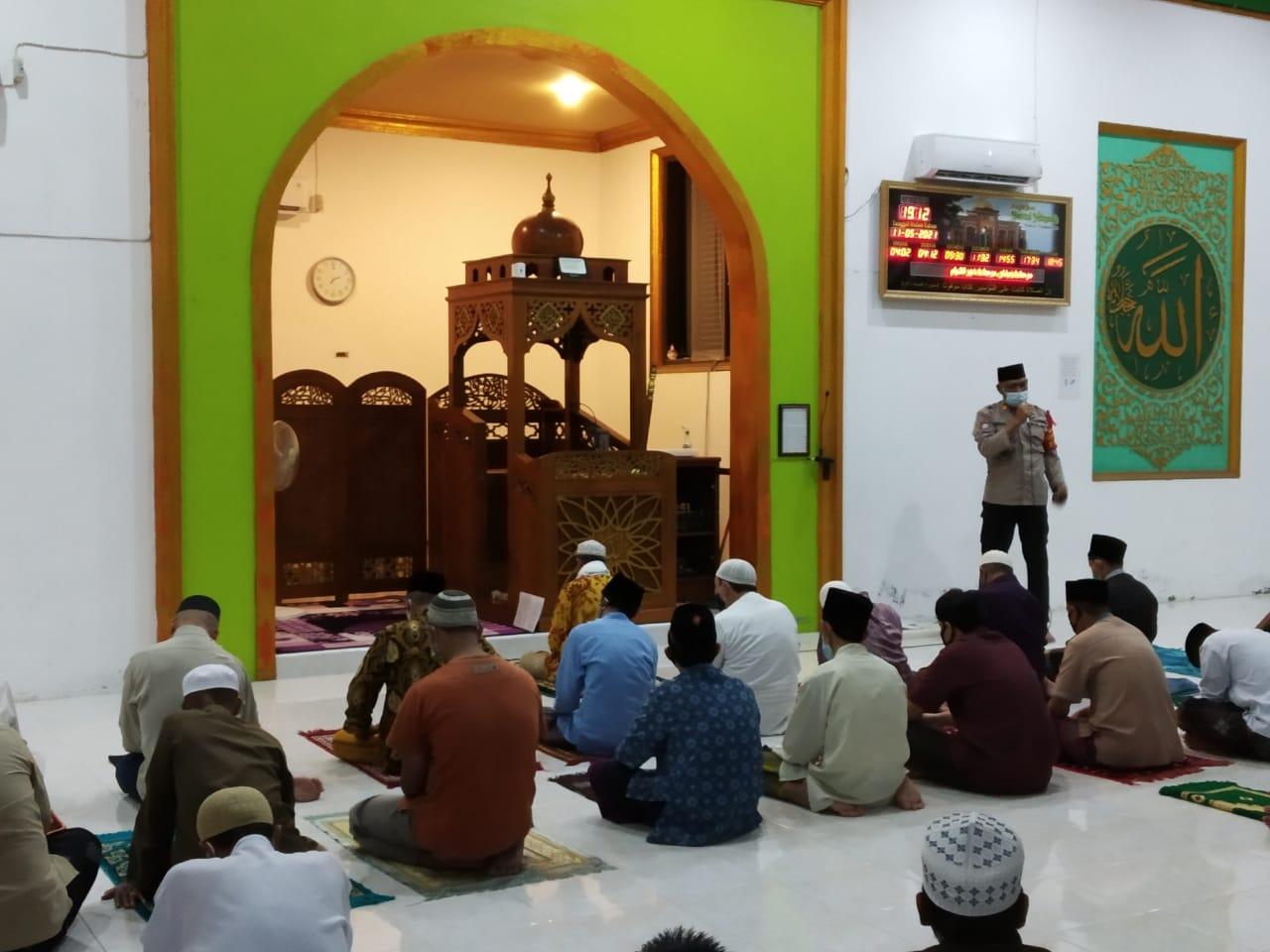 Jemmat Masjid di Pangkalan Bun Dapat Arahan Dari Polisi