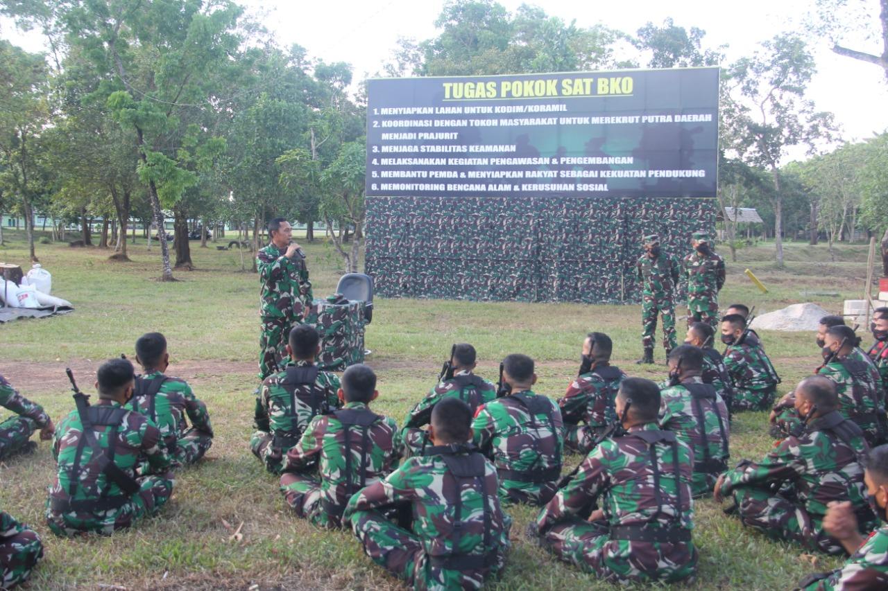 Wakasad Laksanakan Kunjungan Kerja Dalam Rangka Pembekalan Satgas Apter Papua