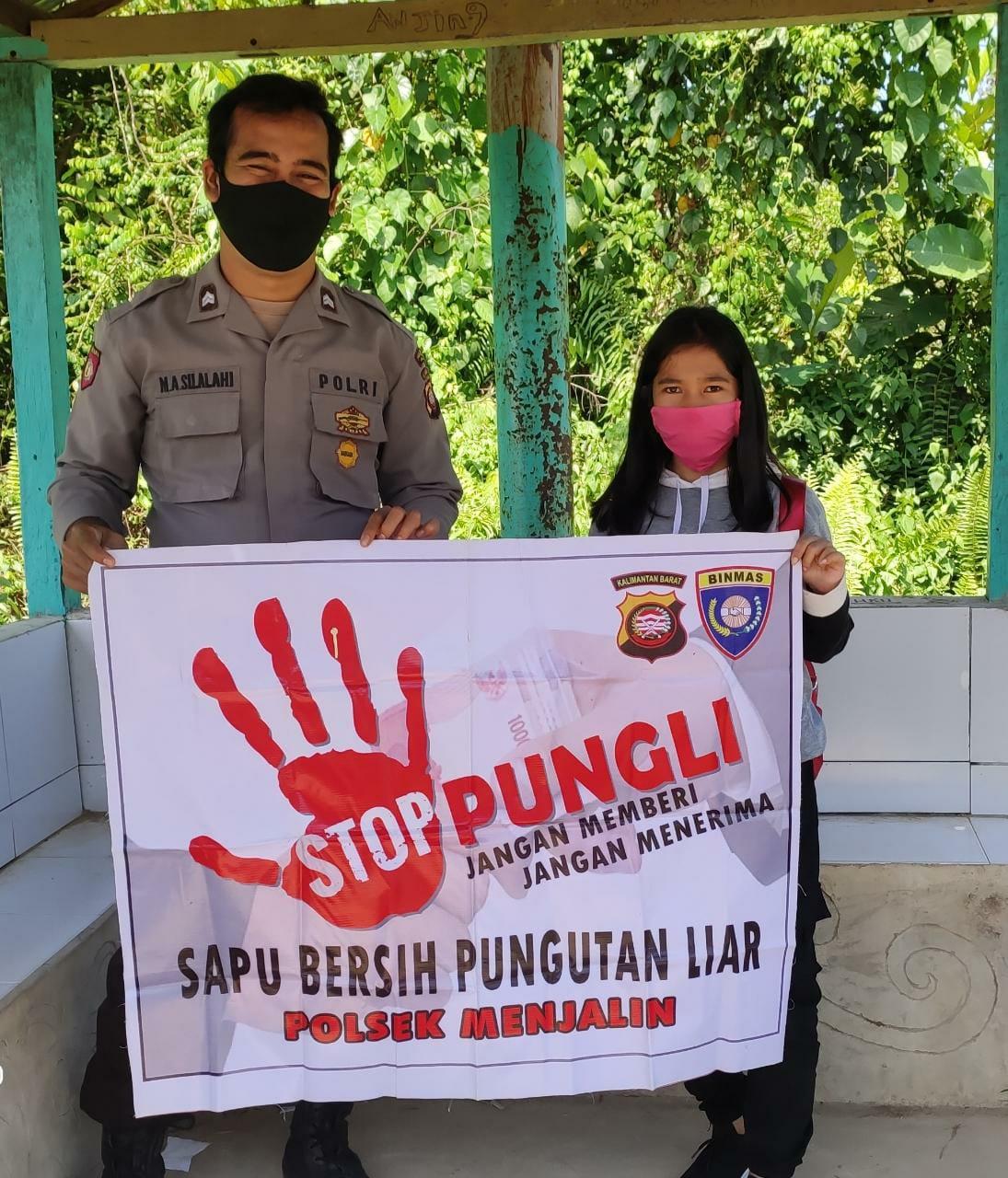 Anak Gadis Kecamatan Menjalin Tetap Mendukung Polisi Dalam Menumpaskan Korupsi
