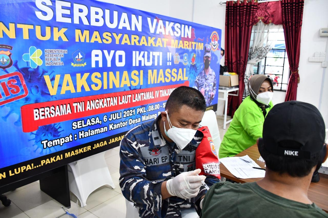 Serbuan Vaksin Covid-19 Untuk Masyarakat Maritim