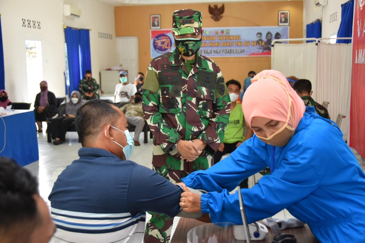 Serbuan Vaksinasi dalam Rangka Hari Bakti TNI AU ke-74