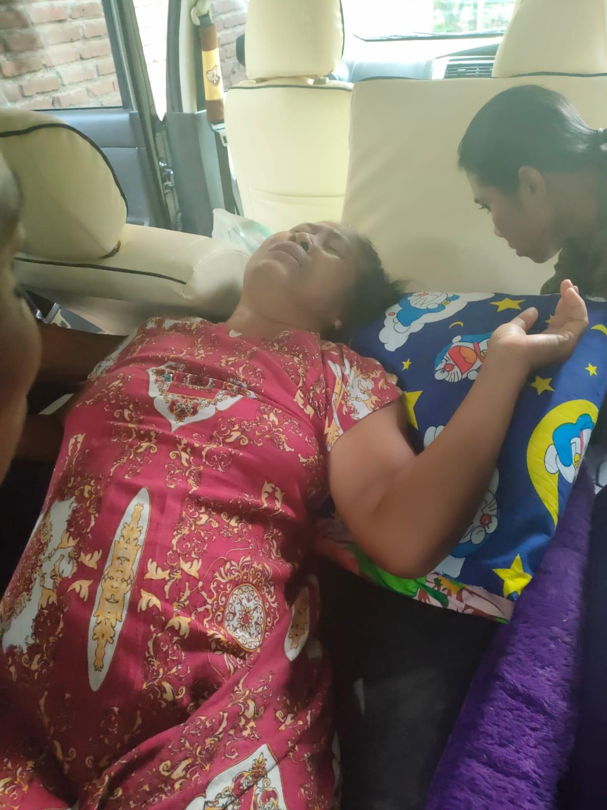 Didatangi Petugas Balai POM di Dampingi RT dan RW Setempat Warga Berinisial SP Jatuh Sakit Hingga di Bawa ke RS