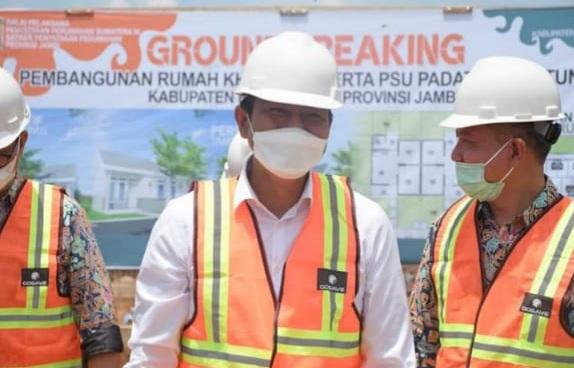Peletakan Batu Pertama Relokasi Perumahan Warga Oleh Bupati Batang Hari